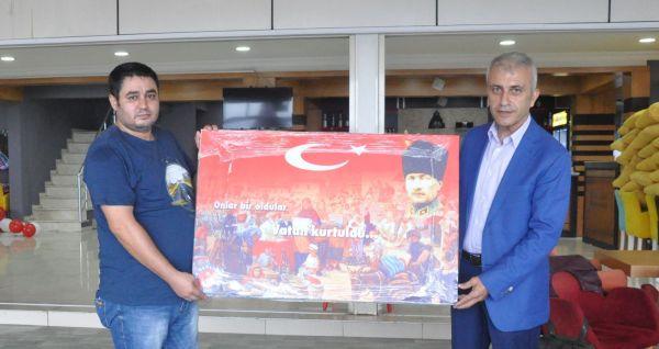 Türk Sağlık Sen Kocaeli Şube Başkanı, Türkiye Kamu Sen Denetleme Kurulu Üyesi,  Ömer Çeker, Gebze Fatih Devlet Hastanesi, Gebze İlçe Sağlık Müdürlüğü, Darıca Farabi Devlet Hastanesi, İşyeri Temsilcileri ve ilçe Temsilcileri ile toplantı yaptı.