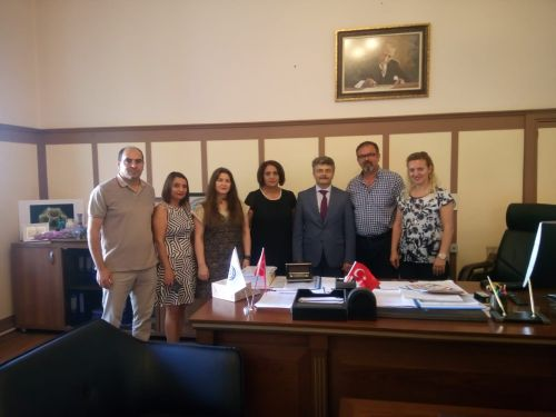 Ege Üniversitesi Rektör Yardımcılığı görevine atanan Prof. Dr. Mehmet Ersan'ı makamında ziyaret ederek hayırlı olsun ziyaretinde bulunduk.