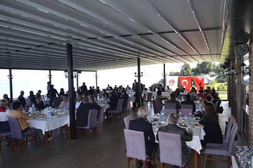 Türk Sağlık – Sen Giresun Şube Başkanlığının 06.10.2018 tarihinde yapmış olduğu İşyeri temsilcileri toplantısına Kamu – Sen Genel Başkanı ve Türk Sağlık – Sen Genel Başkanı Önder  KAHVECİ ile Genel Başkan Yardımcısı İsmail TÜRK'de katıldı.