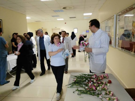 Türk Sağlık Sen Antalya şubesi olarak Eğitim ve Araştırma Hastanesinde 8 Mart Dünya kadınlar gününü kutladık.