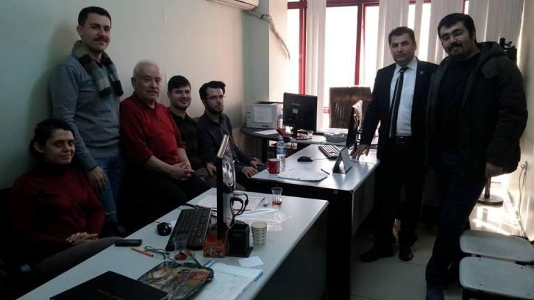 Gaziantep Şubesi olarak; Şube Başkanı Kemal KAZAK ve işyeri temsilcisi Dr. Fatih CÖMERT ile birlikte Şahinbey Toplum Sağlığı Merkezinde (TSM) görevlerine yeni başlayan doktor arkadaşları ziyaret ettik.