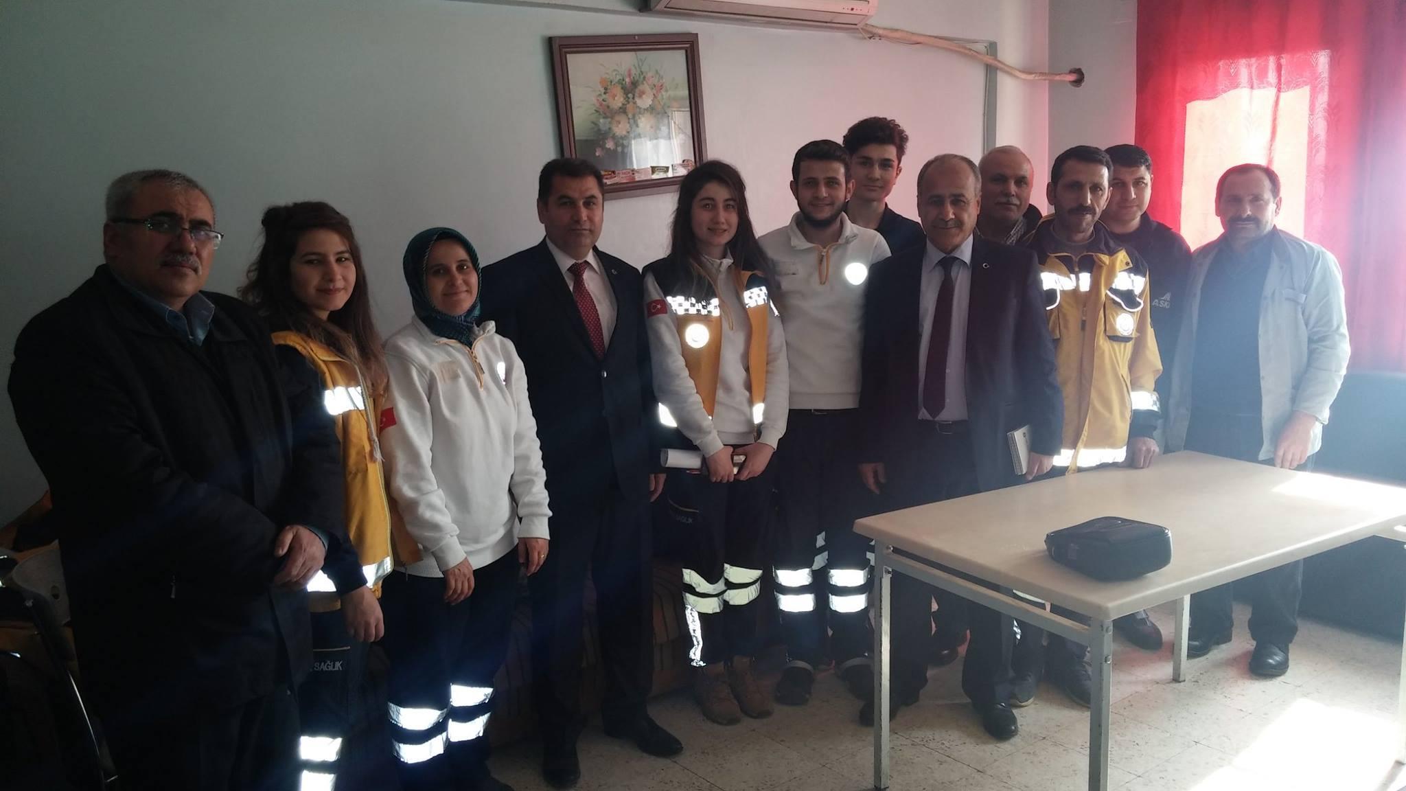 Gaziantep Şubesi olarak; Şube Başkanı Kemal KAZAK, Başkan Yardımcıları Gazi SÖKMEN, Mehmet Zabit YILDIRIM ve Uğur ALTAY'dan oluşan heyetle Şahinbey Toplum Sağlığı Merkezi (TSM), Şahinbey İlçesine bağlı Aile Sağlığı Merkezleri (ASM) ve 112 Acil Sağlık Hizmetlerini Merkezlerini ziyaret ettik.