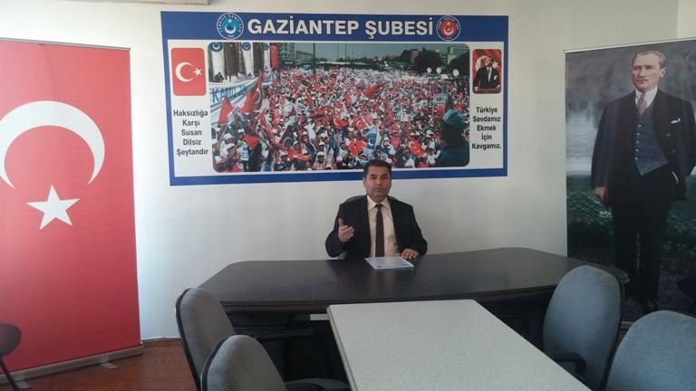 """Türk Sağlık-Sen Gaziantep Şube Başkanı Kemal KAZAK, """"Ağız ve Diş Sağlığı Haftası"""" ile """"Diş Hekimliği Günü"""" hakkında Şehit Dr. Ersin Arslan toplantı salonunda bir basın açıklaması yaptı. KAZAK yaptığı açıklamada şu ifadelere yer verdi:"""