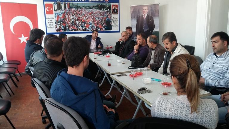 Yönetim Kurulu Üyelerimiz ve İşyeri Temsilcilerimiz ile toplantı yaptık. 15 Temmuz'dan bu yana gelişen olayları, süreç hakkındaki çalışmalarımızı ve yol haritamızı istişare ettik.
