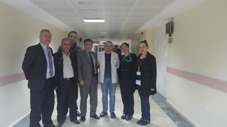 Gaziantep Şubesi olarak; Şube Başkanı Kemal KAZAK; Başkan Yardımcıları Gazi SÖKMEM ve Mehmet Zabit YILDIRIM'dan oluşan heyetle Şehitkâmil Devlet Hastanesini ziyaret ettik.