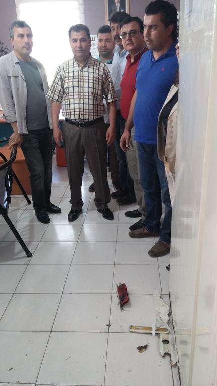 Gaziantep Merkez Şahinbey ilçesinde bulunan Şehit Dr. Mehmet Niziplioğlu Aile Sağlığı Merkezine hırsız girmesi nedeniyle, Gaziantep Şubesi olarak; Gaziantep – Kilis Tabipler Odası ve Gaziantep Aile Hekimliği Derneği ile birlikte kitlesel basın açıklaması yaptık.