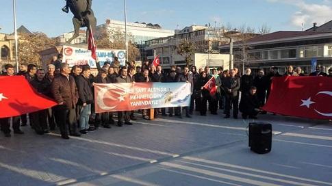"""Mehmetçiğimizin Afrin'e yönelik olarak başarıyla sürdürdüğü Zeytin Dalı Operasyonu devam ederken, Türkiye Kamu Sen İl Temsilciliği olarak Cacabey Meydanında """"Afrin operasyonuna destek, şehide saygı"""" konulu basın açıklaması yapılmıştır."""