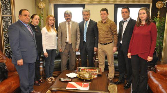 Çeker, Kocaeli Üniversitesi Rektörü Sayın Hülagu'ya  Başarılar Diledi.