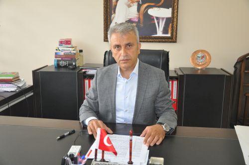 İşsizlik oranlarının yüksek çıkması ve sağlık ile ilgili okullardan mezun genç sağlıkçıların atamalarının yapılmaması nedeniyle mağdurlar ile birlikte Türk Sağlık Sen Kocaeli Şube Başkanı Ömer Çeker Şube de basın açıklaması yaptı.