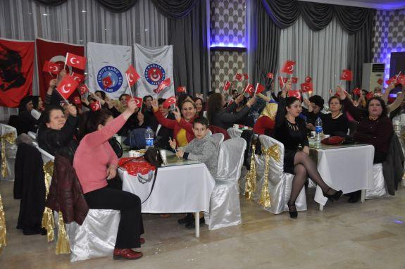 Kamu Sen'e bağlı Türk Sağlık Sen Manisa Şubesi Kadın Kolları Başkanlığı 8 Mart Dünya Kadınlar Günü vesilesiyle öğretmen evinde bir gece düzenledi.