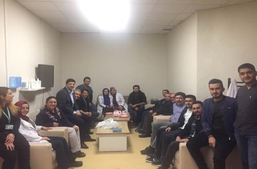 Türk Sağlık Sen Nevşehir Şubesi olarak 8 Kasım Dünya Radyoloji günü dolayısıyla Nevşehir Devlet Hastanesini ziyaret ederek, Radyoloji Teknisyenlerimizin günlerini kutladık. Gündeme dair Çalışanlarımızla sohbet ettik.