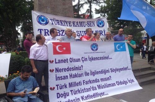 Doğu Türkistan'daki Türk Katliamı Protesto Edildi.