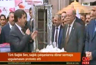 Sağlık Bakanlığı Önünde Gerçekleştirdiğimiz Döner Sermaye Eylemimiz CNN Türk'te İnsanlık Hali Programında Yer Aldı